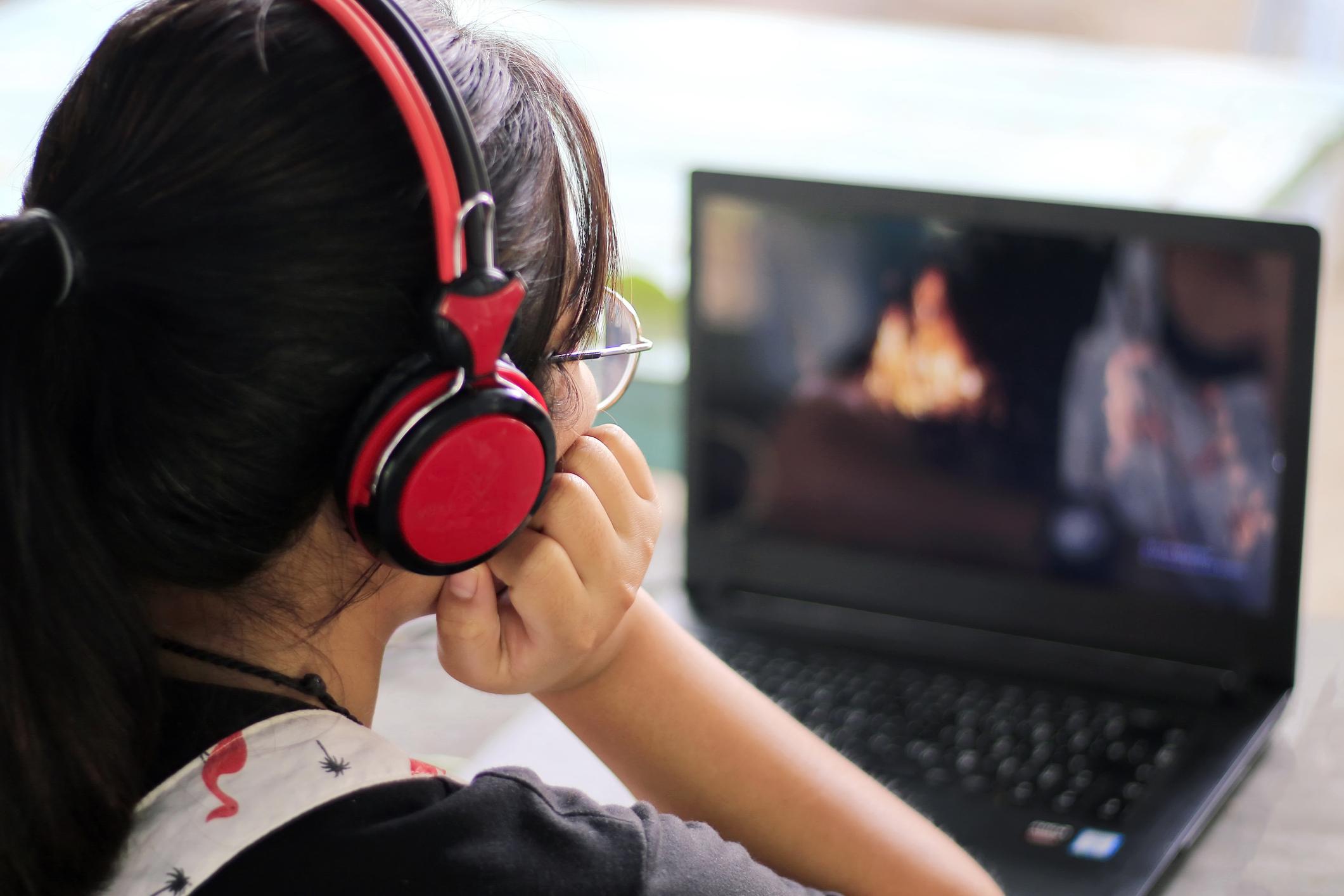 5 Tips Mendapatkan Skor Tes IELTS Listening yang Tinggi
